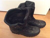 Altberg Sneeker Boots (12 Black)