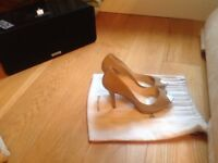 Lk Bennett peep toe shoes size 6(39)