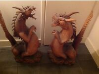 2 dragon statues, Solid wood carvings