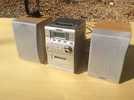 Sony micro hi-fi system radio cd cassette two speakers all working good condition