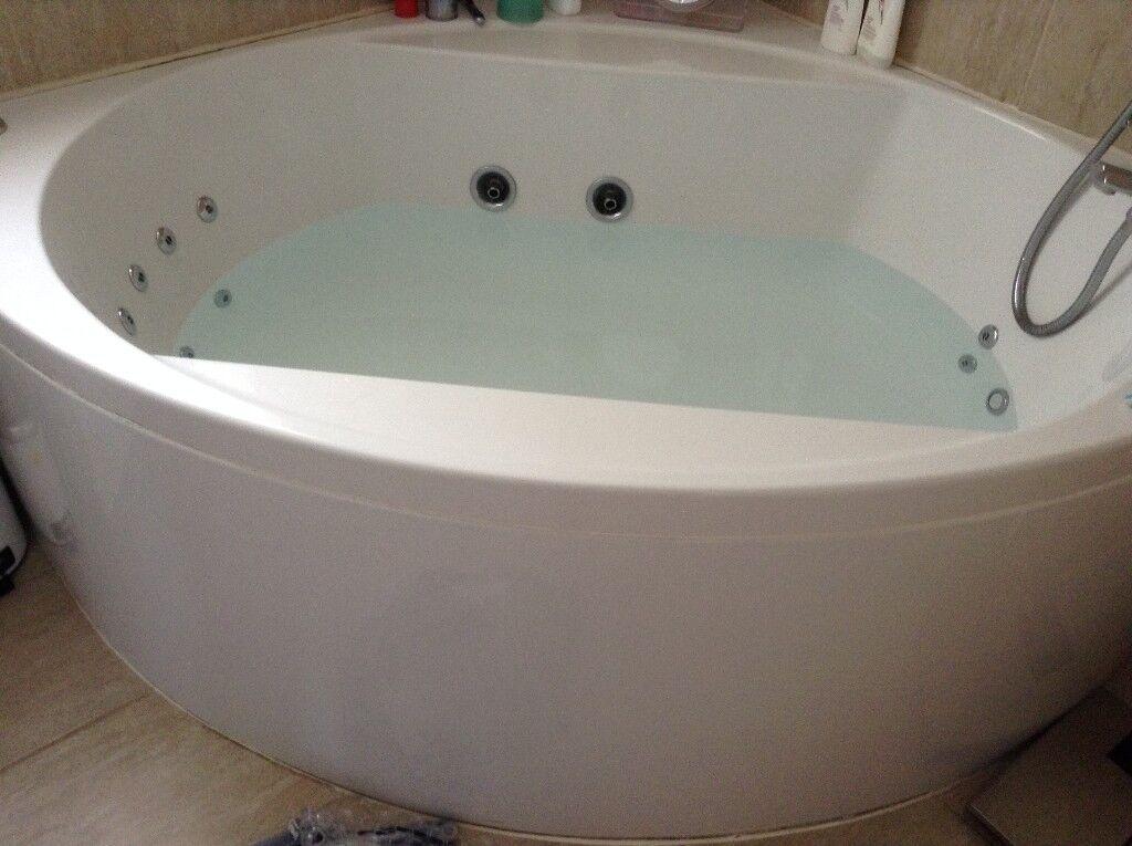 Jacuzzi Corner Bath with Range of Coloured Lights | in Ruddington ...