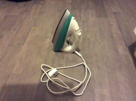 Steam iron hardly used