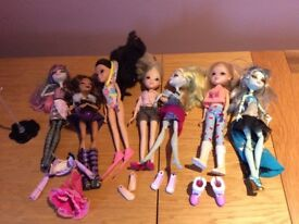 4 Monster High Dolls & 3 Moxie dolls fully clothed with accessories