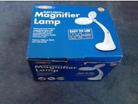 Magnifico magnifier desktop lamp