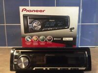 Pioneer DEH-5600BT car stereo /cd player . iPod / iPhone compatible