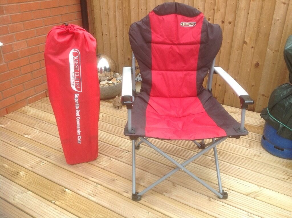 2 Quest Elite Superlite Red Commanders Folding Chairs In