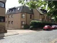 Unfurnished, 2 bed flat in popular West End location - Roseangle, Dundee