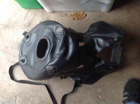 ZZR1100 bagstar tank cover.