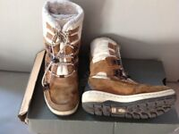 Timberland children boots, come in a box, great condition, size 11,5 UK or EU 29