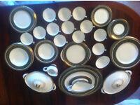Royal Doulton Vanborough H4992 English fine bone china set
