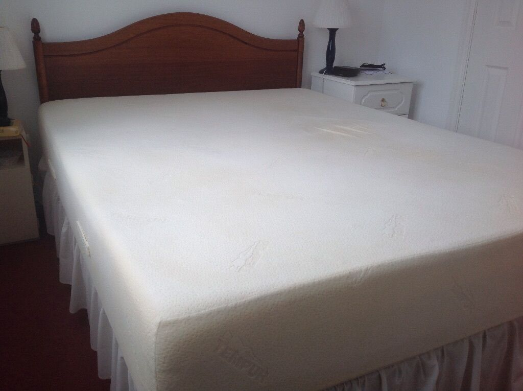 King Size Luxurious Tempur Memory Foam Mattress With Divan Base Base In Bicton Heath