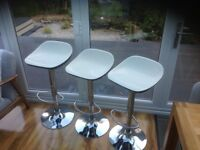 3 Contemporary Bar Stools fully adjustable and in great condition