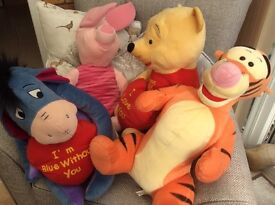 Tigger, piglet, Winnie the Pooh and ehor