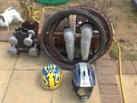 Assorted bike bits