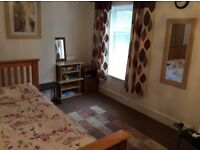A large double room 4 rent. £450pm 4 Couples. £350pm 4 female student or any Lady. Bills inclusive.