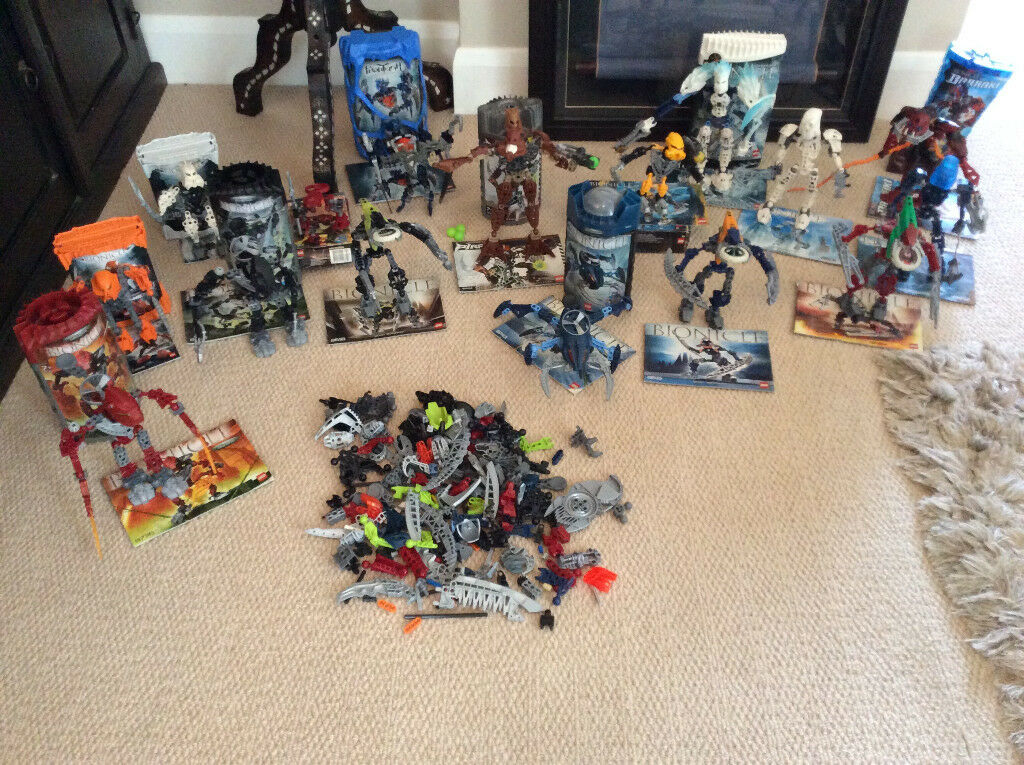 Bundle of 16 Lego Bionicle Sets, plus large supply of extra pieces