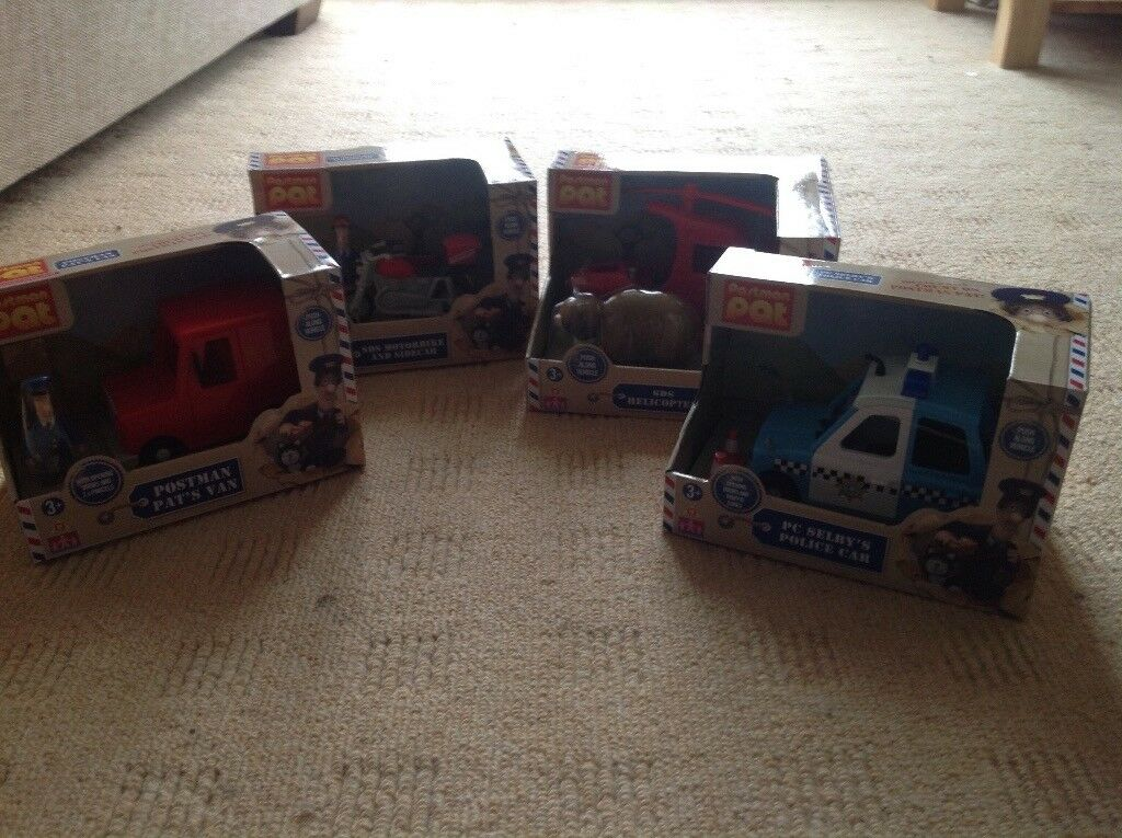 BRAND NEW 4 POSTMAN PAT VEHICLES