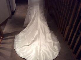 Romantica ivory wedding dress