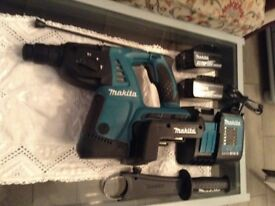 Makita 36 volt cordless drill with 2 battery's 4 amp also acharger