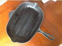Large Le Creuset Cast Iron Griddle Frying Pan in Graphite. Skillet. Cookware.