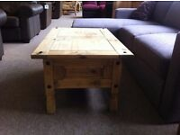 EXCELLENT CONDITION!!! Solid pine coffee table lovely modern design, drawers inside for storage