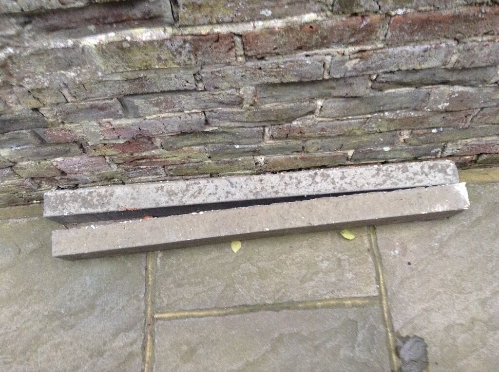 2 concrete lintels length 104mm. X10 MM. Buyer collects