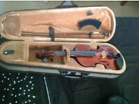 Childs 1/4 Ashton Violin. Excellent condition. Great starter violin.
