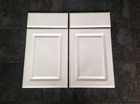 2, White Gloss Door and Draw Fronts.