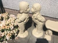 Concrete garden kissing girl&boy ornament