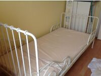 Childs extending single bed
