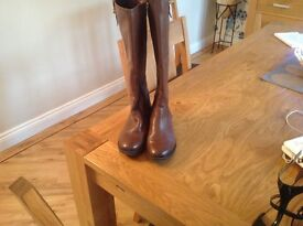Ladies brown leather boots size 5