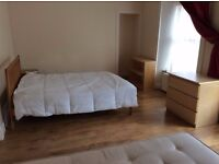 ONLY SHORT TERM! Large Twin room with two double beds!