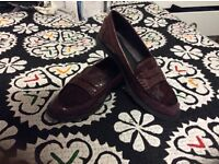 Beautiful burgendy women's shoes for sale Size 5!!
