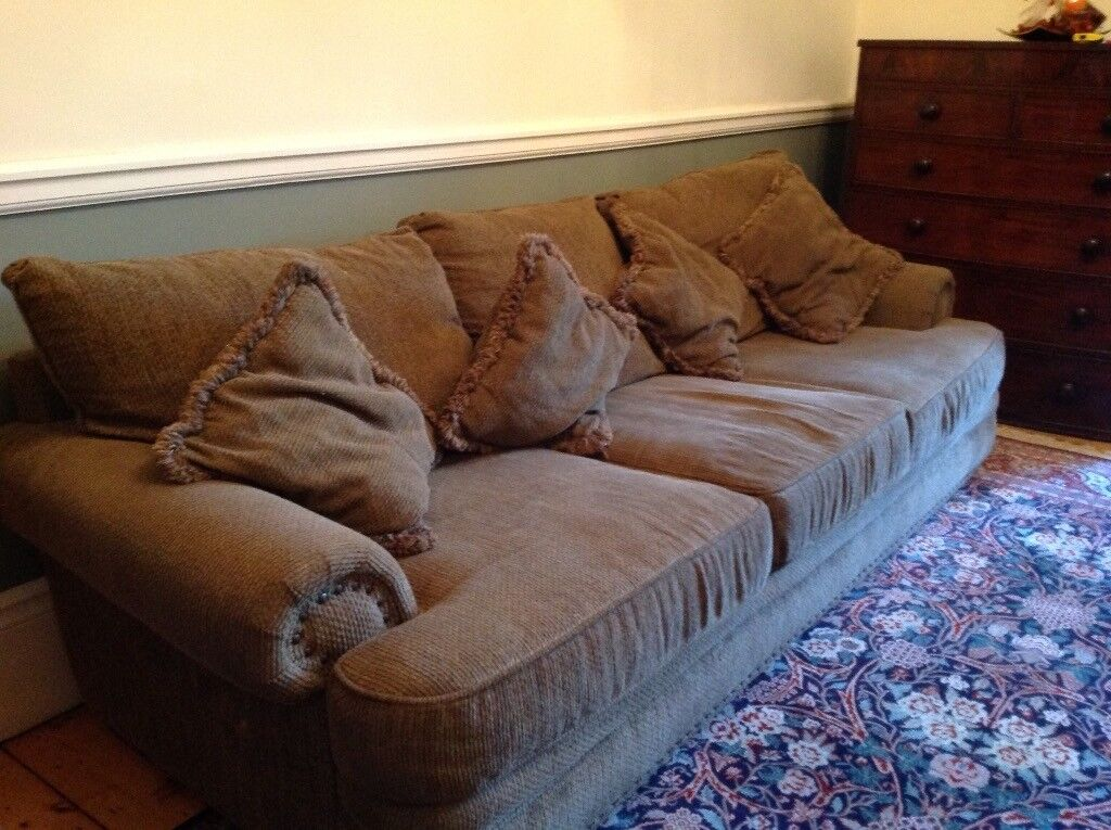 Free Tynemouth Area Large Comfortable Sofa In Good Condition