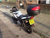 Honda CBF125 2010 White 125cc Motorcycle 14,000 Miles - With Heated Grips & Givi Top Box
