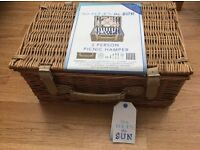 (RRP £55) NAUTICAL 2-PERSON WILLOW BASKET PICNIC HAMPER BRAND NEW