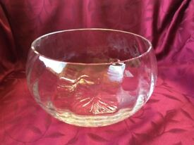 Heavy crystal fruit/trifle bowl