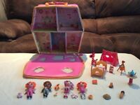 Lalaloopsy Carry Along Playhouse, dolls and accessories