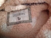 Lovely and snug and cuddly dressing gown size small roughly 12