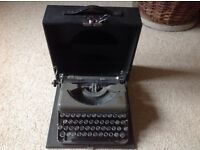 Vintage Imperial The Good Companion model 6T Portable Typwriter
