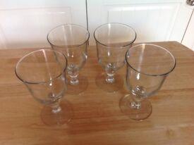 Set of 4 large wine glasses