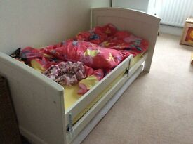 Mamas and Papas cot / toddler bed plus cot top changer