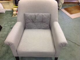 £50 ONO FOR LOVELY EXPENSIVE TUB CHAIR /OCASIONAL CHAIR IN EXCELLENT CONDITION COST OVER £200 NEW