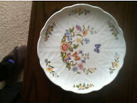 Aynsley China Cottage Garden Pattern Scalloped Plate Excellent Condition
