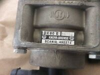7 dual foot brake valves . Spares or repair.
