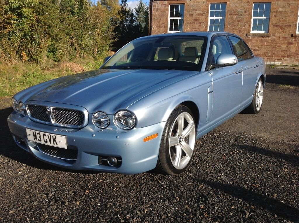 08' Low mileage Jaguar XJ with jaguar warranty