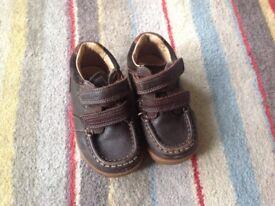 Clarks boys shoe 6