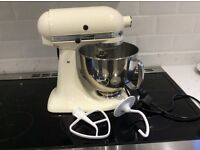 KithcenAid Artisan food mixer cream. Excellent condition