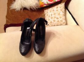 Lovely new black sparkly platform shoes size 4