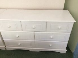Solid chest of draws 4 ft wide